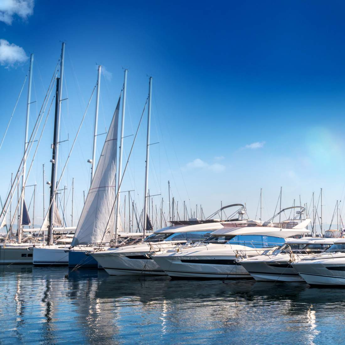 Ship harbours and marinas
